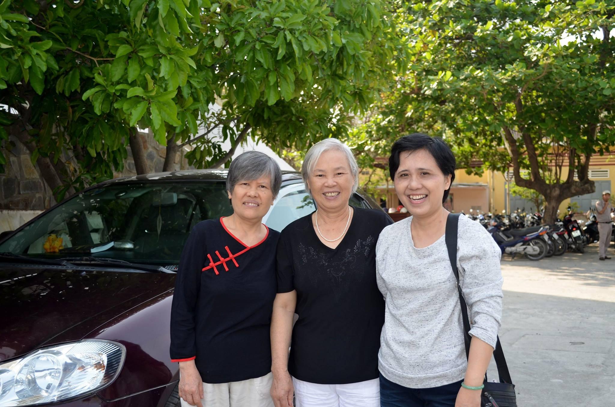 Pics - Phap dam 4.2016 - 16